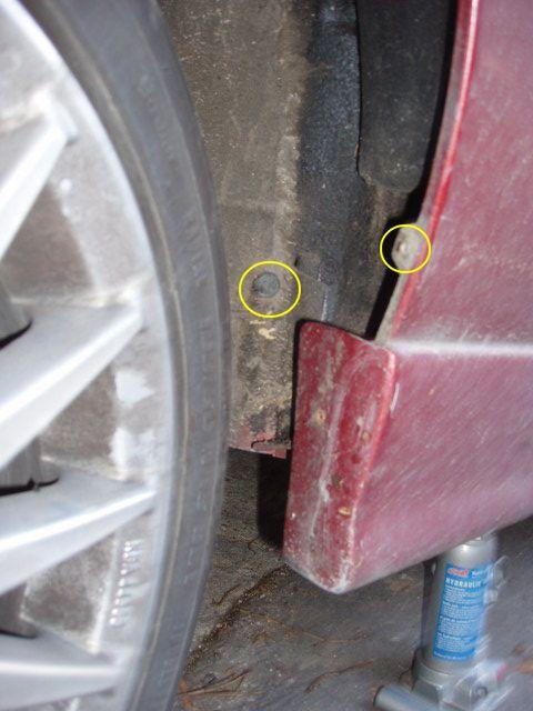 Oprava prasklého těsnění u nádobky ostřikovačů 3