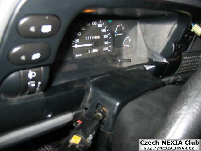 Demontáž přístrojové desky Daewoo Nexia