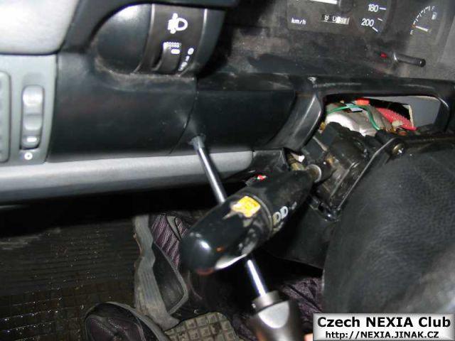 Demontáž přístrojové desky Daewoo Nexia 3