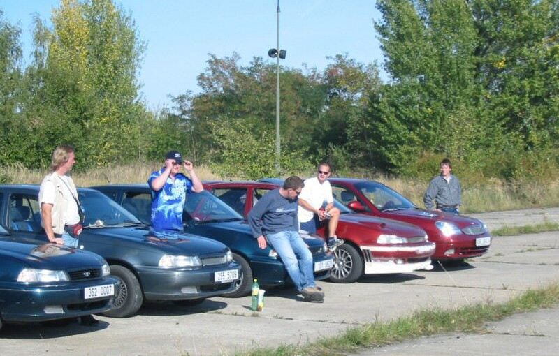 Milovice 18.9.2004 - Opel Kadett, Astra, Tigra a Daewoo Nexia sraz
